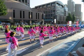 わっしょい百万踊り西日本看護専門学校.jpg