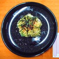 八幡東_鮭と胡瓜の押し寿司.jpg