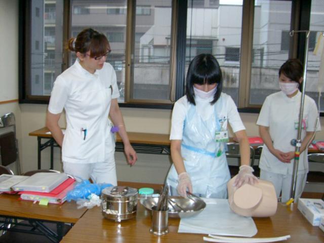 http://www.kitakyu-hp.or.jp/contents/yahatahigashi/photo/education03.jpg