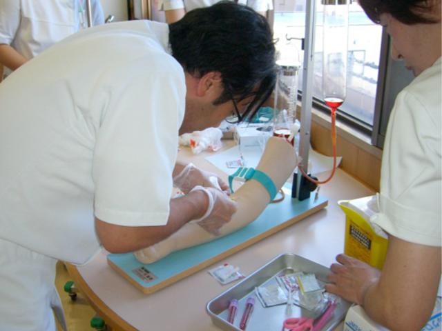 http://www.kitakyu-hp.or.jp/contents/yahatahigashi/photo/education04.jpg